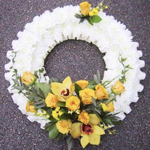 Formal Wreath in Yellow & White